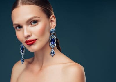 Beauty portrait with the luxury earring (206)