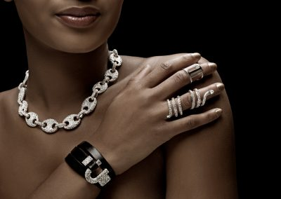 close up of black woman wearing luxury silver jewellery necklace (206)