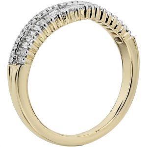 長方形和密釘鑽石皇冠曲線結婚戒指