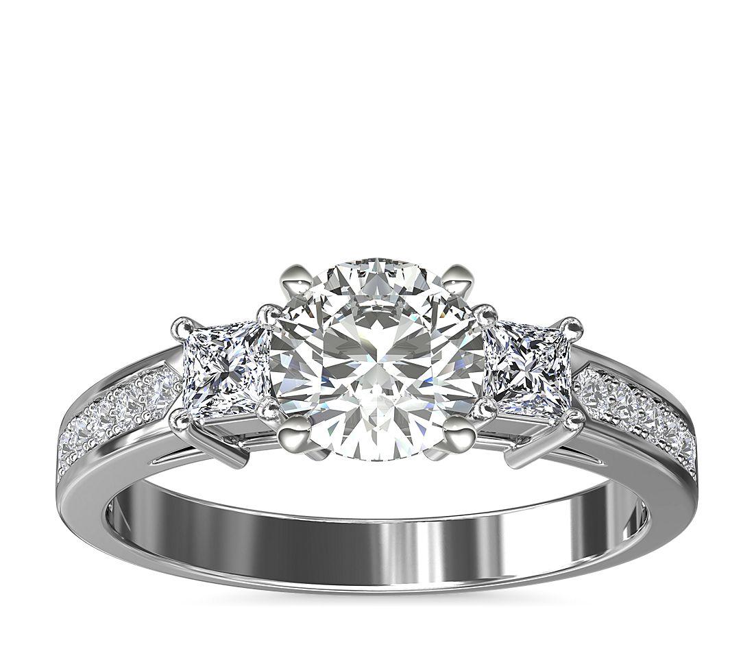 三重公主方形密釘鑽石訂婚戒指