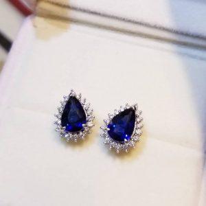 18K白金梨形藍寶石耳環