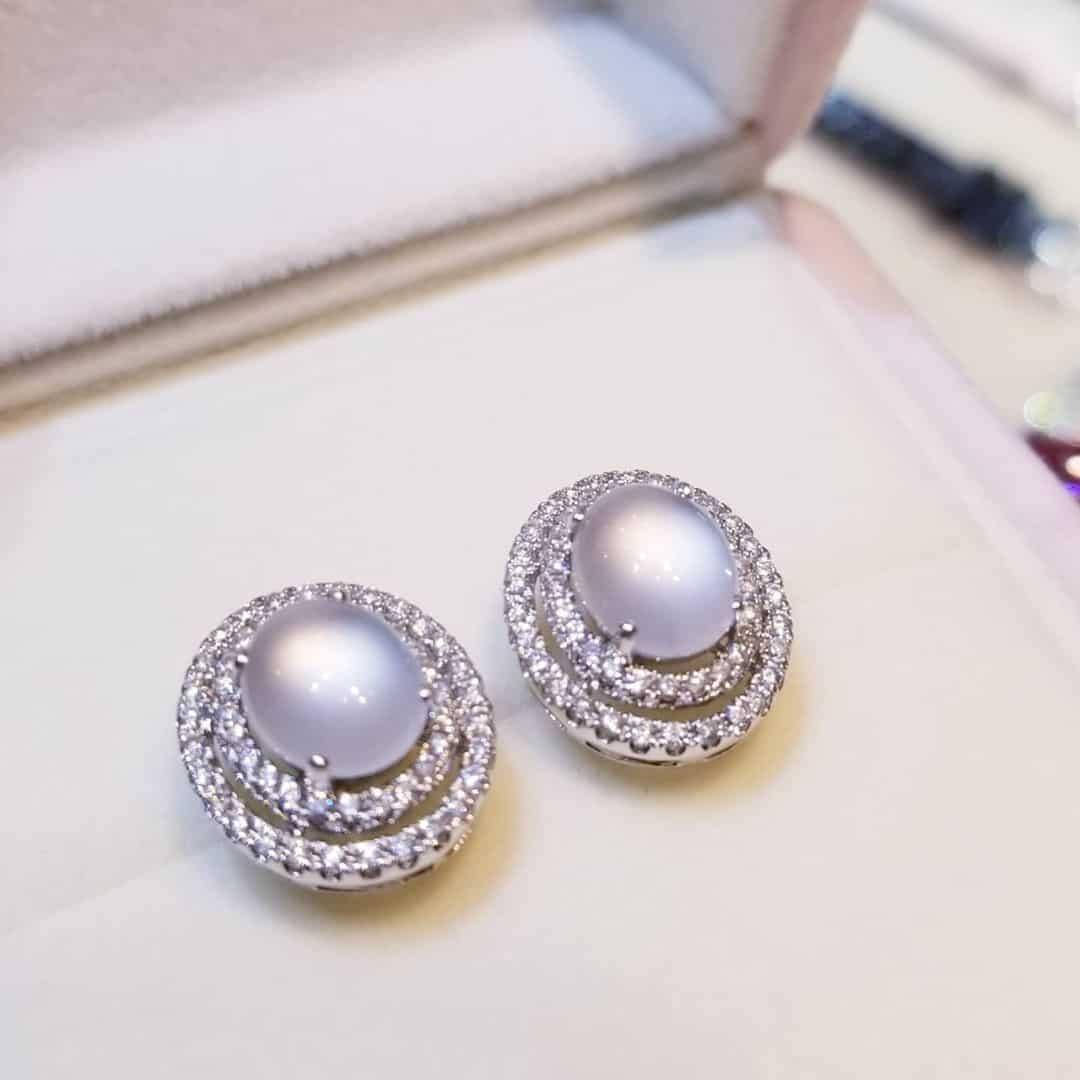 18K白金橢圓形冰種白翡翠耳環