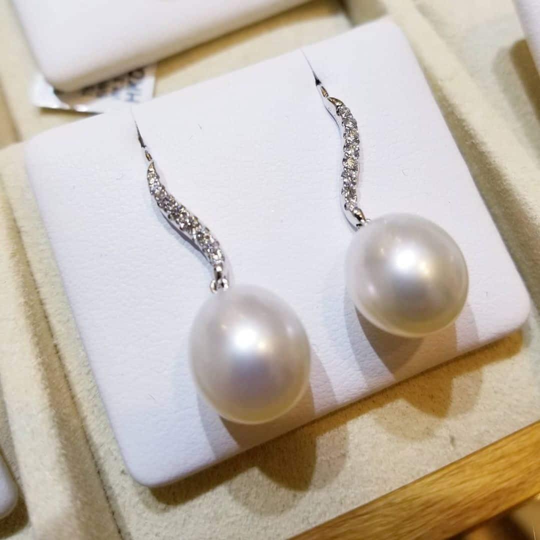 南洋白珍珠18K白金耳環
