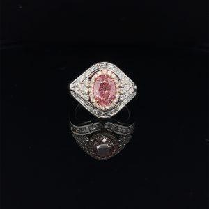 橢圓形粉鑽戒指