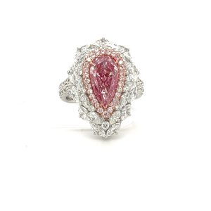 梨形粉鑽戒指